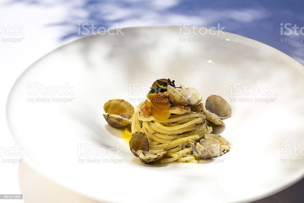 Spaghetti con vongole e bottarga royalty-free stock photo