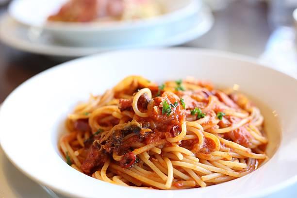 spaghetti  - spaghetti tomatensauce stock-fotos und bilder