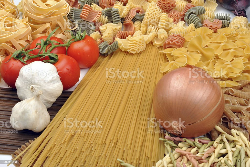 spaghetti with organic onion and garlic royalty-free stock photo