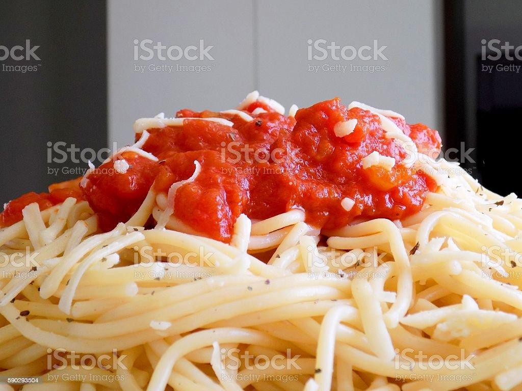 Тонкие с томатным соусом  Стоковые фото Стоковая фотография
