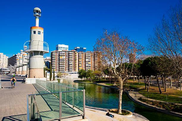 spain industrial park located near sants train station - carlosanchezpereyra fotografías e imágenes de stock