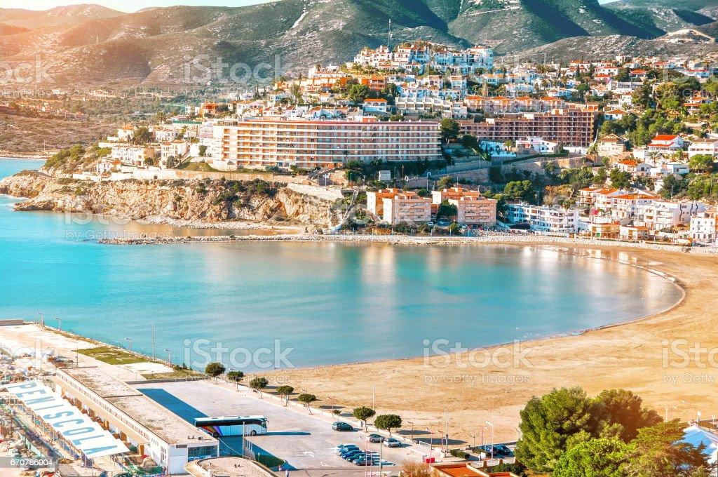 Spanien. Valencia, Peniscola. Blick auf das Meer aus einer Höhe. Schöne Aussicht auf das Meer und die Bucht. Mittelmeer. – Foto