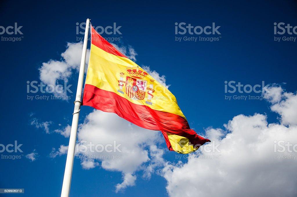 Bandeira espanhola em o vento - foto de acervo