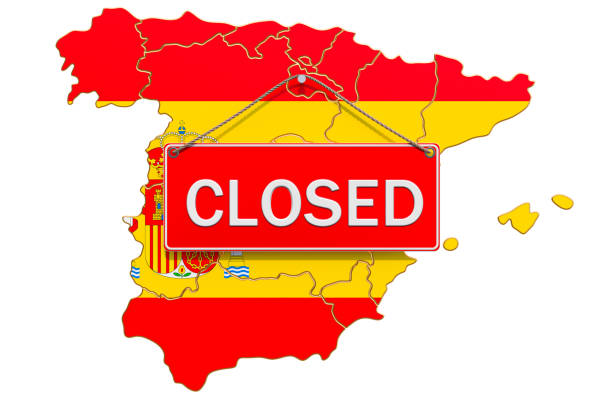 spanish map with closed hanging sign, quarantine concept. 3d rendering isolated on white background - covid testing zdjęcia i obrazy z banku zdjęć