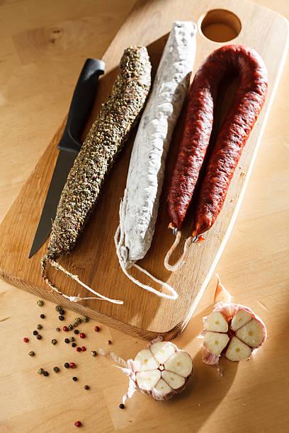 español salchichas - fuet sausages fotografías e imágenes de stock