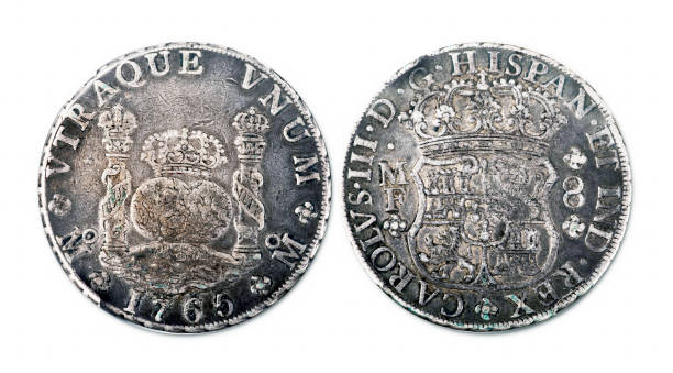 spanish silver dollar. - shipwreck stock pictures, royalty-free photos & images