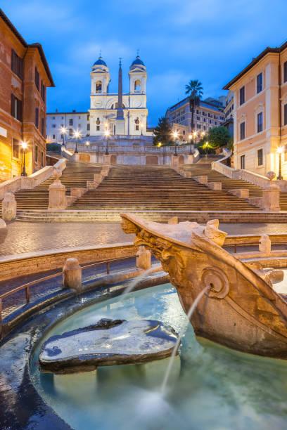 Plaza de España en Trinità dei Monti en la madrugada, Roma - foto de stock