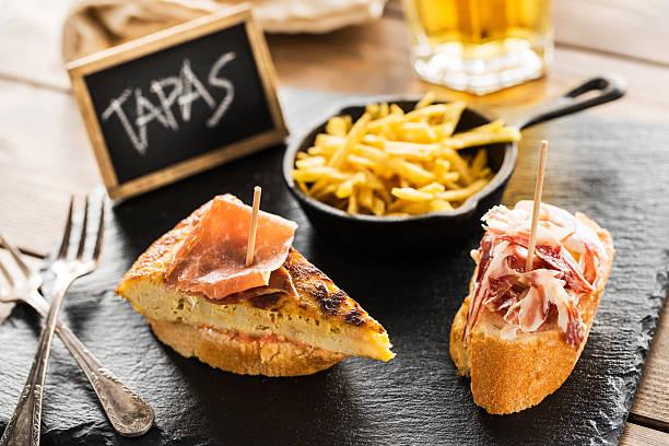 spanische tapas  - tapas stock-fotos und bilder