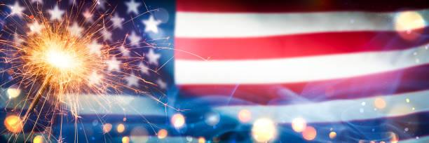 sparkler with bokeh and smoke on american flag - happy 4th of july zdjęcia i obrazy z banku zdjęć