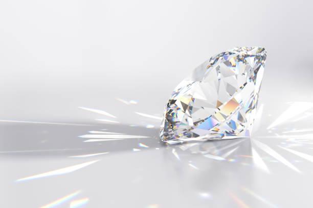 sprankelende ronde cut diamant op ligt grijze achtergrond - lichtbreking stockfoto's en -beelden