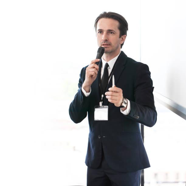 Referent bei Präsentation – Foto
