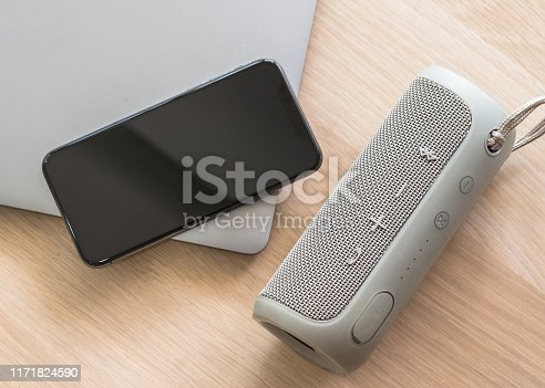 Speaker, audio loudspeaker with bluetooth wireless connection with mobile smartphone and computer laptop using for voice call communication, multimedia music entertainment, portable mini home theater