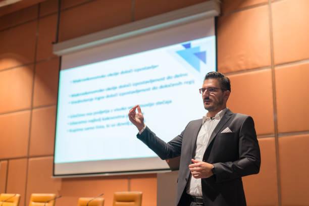 Redner, die Reden auf Business Konferenz.   – Foto