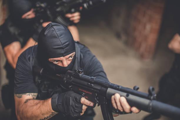 special forces in aktion - wächter tattoo stock-fotos und bilder