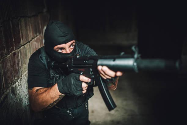 special-forces-mann - wächter tattoo stock-fotos und bilder