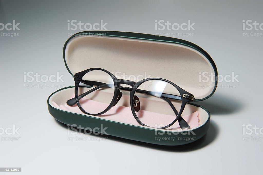 Brille und Case – Foto