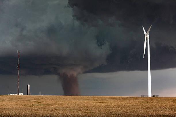 espetacular tornado em wray colorado - tornado - fotografias e filmes do acervo