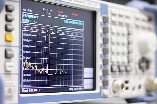 spectrum am emi empfänger oder spectrum-analysator - frequenz stock-fotos und bilder