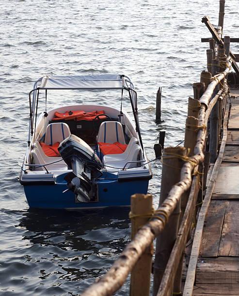 Barco de alta velocidade - foto de acervo