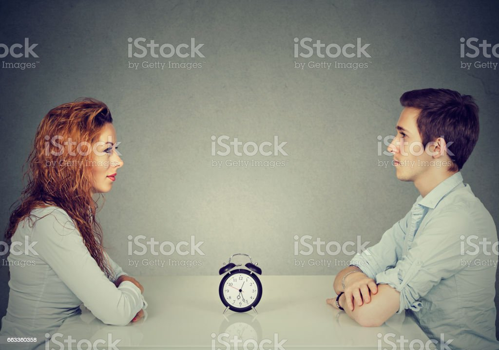Miten toimia, kun dating nuorempi mies