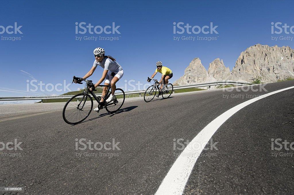 Geschwindigkeit auf der Straße Radfahren ist – Foto