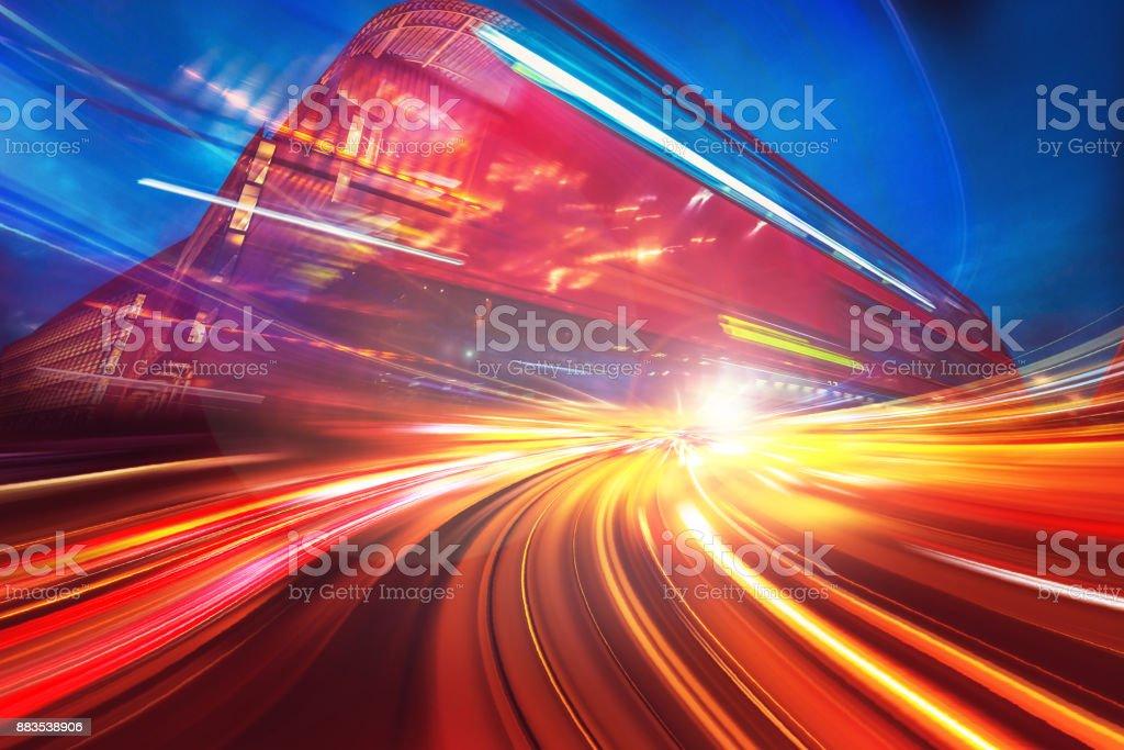 Geschwindigkeit Bewegungsunschärfe auf London City – Foto