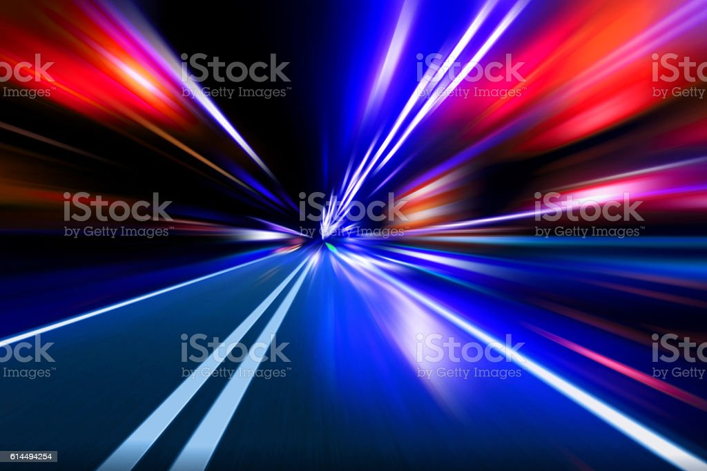 Geschwindigkeit Bewegung auf der Nacht-Straße – Foto