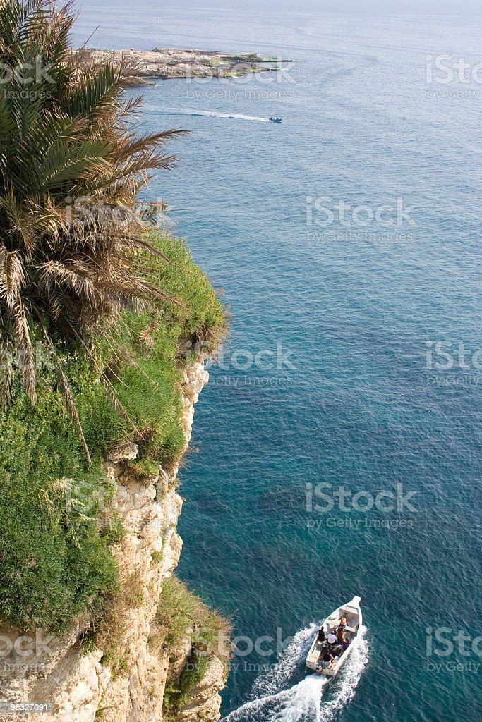 Motoscafo da competizione, scogliera, Palma, Mediterraneo foto stock royalty-free