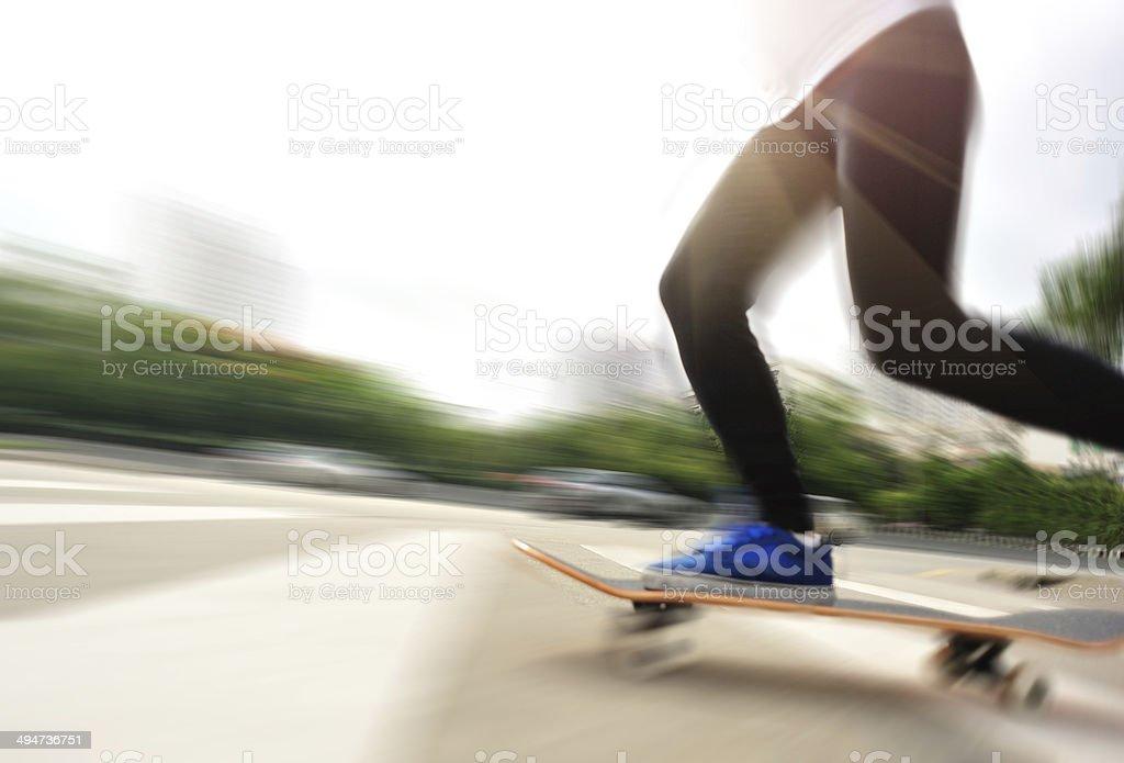 Accélérer le skate femme - Photo