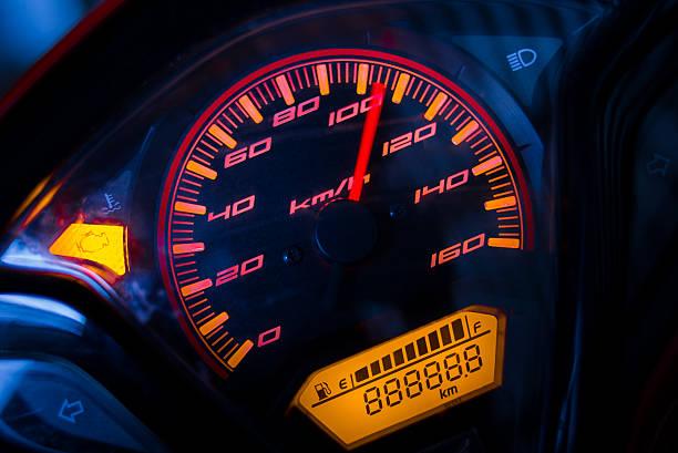 tachometer  - autos und motorräder stock-fotos und bilder