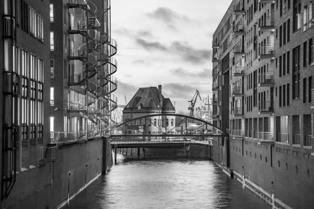 Speicherstadt in der Nacht in Hamburg – Foto
