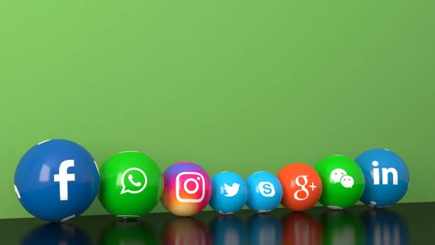 綠色辦公桌上的大理石社交媒體服務圖示的球狀形狀 - twitter 個照片及圖片檔