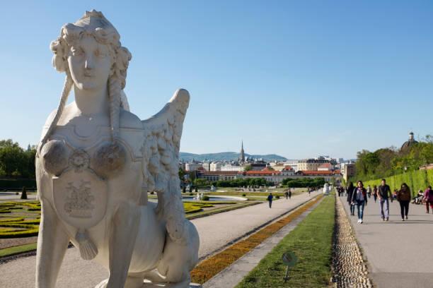 sphinx and belvedere gardens - wien foto e immagini stock