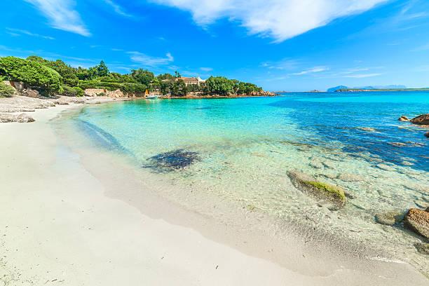 spiaggia del principe in costa smeralda, in sardegna - sardegna foto e immagini stock