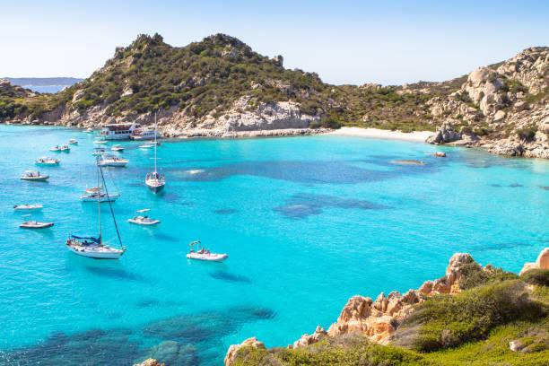 spiaggia di cala corsara, sardinia island, italy - sardegna foto e immagini stock