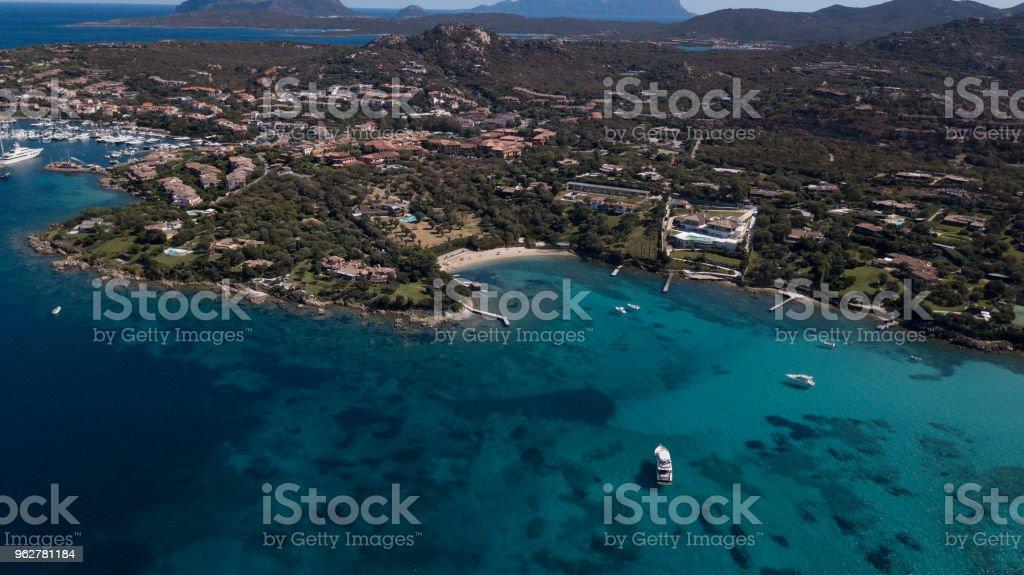 Spiaggia Ira, Porto Rotondo, Sardenha - Foto de stock de Arquipélago royalty-free