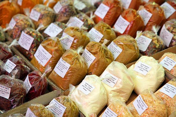 spice-taschen - naschmarkt stock-fotos und bilder