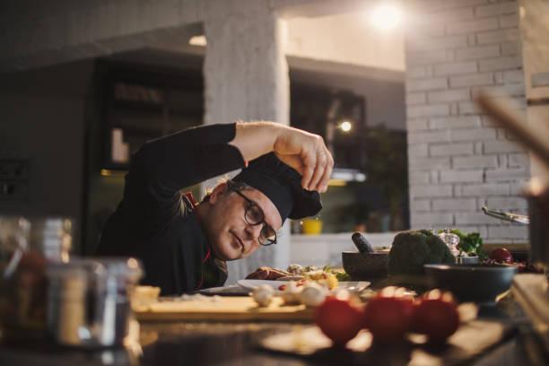 spice it up - chef стоковые фото и изображения