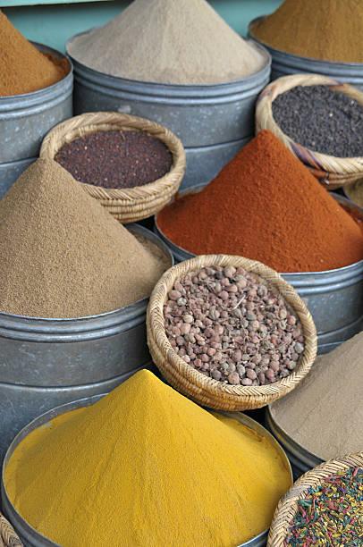 Spices in a souk of Marrakech - foto de stock