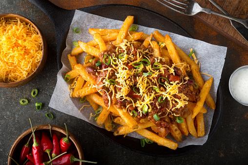 Pittige Chili Kaas Frietjes Stockfoto en meer beelden van Aardappel