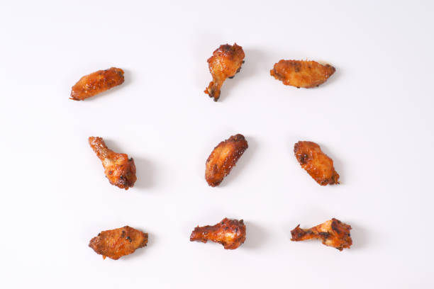 asas de frango tailandesa picante - foto de acervo
