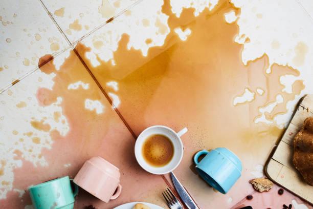 verschütteten Kaffee schmutzigen Hintergrund – Foto
