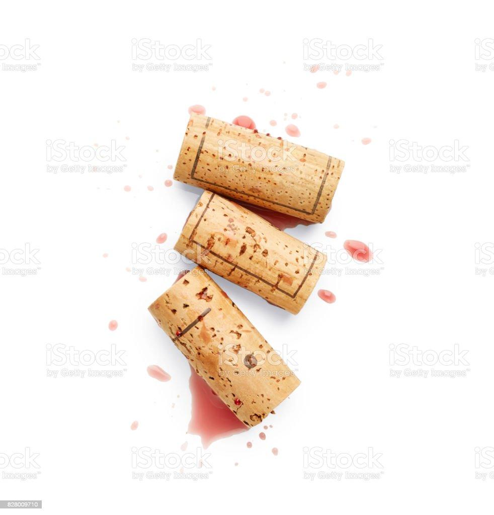Bouchons et renversé du vin rouge - Photo