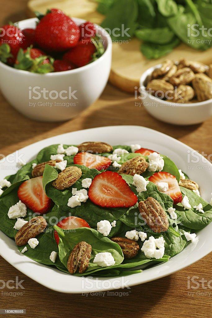 Spinat und Erdbeer-Salat Lizenzfreies stock-foto