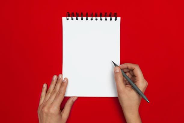 spiral notepad mit bleistift - unterrichtsplanung vorlagen stock-fotos und bilder