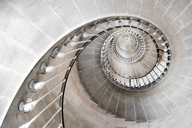 escalera de caracol - característica arquitectónica fotografías e imágenes de stock