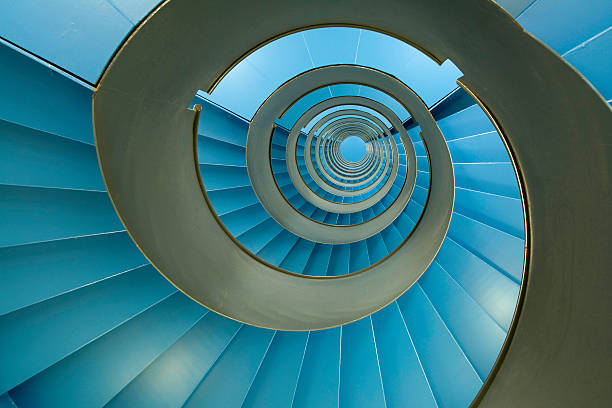 spiral staircase with endless blue facets - 重複螺旋型 個照片及圖片檔