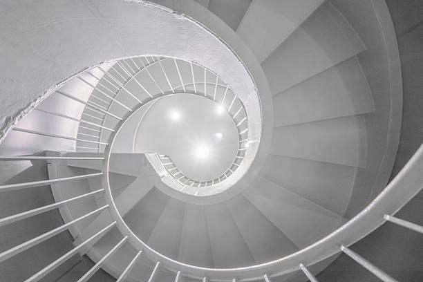 винтовая лестница - golden ratio стоковые фото и изображения