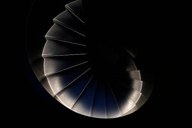spiral stairs - 黃金比例 個照片及圖片檔