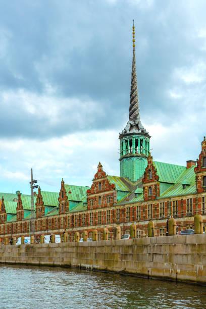 Dreh-und Spire of Borsen building, Kopenhagen, Dänemark – Foto